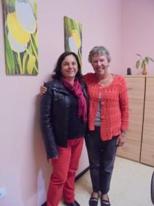 La trabajadora Lourdes Cabrera del Ayutamiento de Puntallana y Annette de SOS La Palma